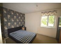 Amazing 2 bedroom house with rear to front garden less than 5 minutes from Beckton Station!