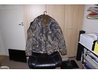 Camouflage X Large Columbia Hunting Coat Mossy Oak.