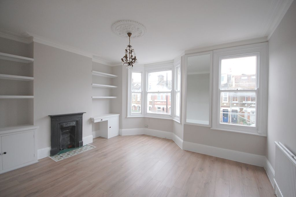 Modern, Unfurnished 1 Bedroom Flat To Let On Kingswood Road, Chiswick