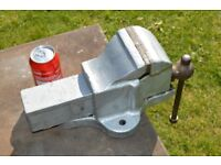 Solid Steel Old Engineers Vice. Fully Working. 100% better than cheap Chinese imports