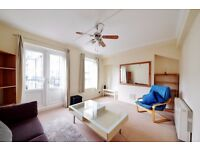 Wapping; V close 2 station & DLR Light, spacious 2 bed flat, balcony, Gym, concierge gardens laundry