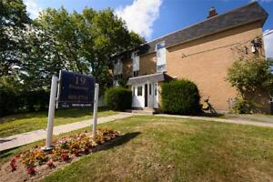 Albro Lake and Victoria: 19 Primrose	, 1BR