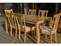 REDUCED: For Sale: Dining table with 2 Carver & 4 chairs. £120.00 ono
