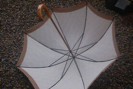 Vintage cloth Italian beige patterned umbrella with wood handle