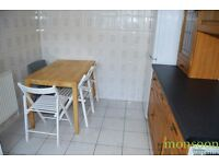 3/4 BEDROOM HOUSE, FULLY FURNISHED, CLOSE TO STATION AND BUS, N11.
