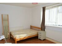 STEPNEY STEPNEY STEPNEY! - THREE BEDROOM FLAT AVAILABLE NEAR STEPNEY GREEN STATION