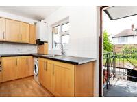 3 bedroom house in Ham Street, Richmond, TW10