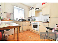 NO AGENCY FEES - Lovely 4 bedroom apartment within easy each of Oval station in Camberwell SE5