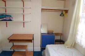 Two rooms available in Headingley