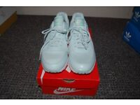 NEW NIKE AIR MAX TRAINERS REAL!!! SIZE 8 UK COLLECTION FROM WHITBY. CHECK OUT PHOTOS.
