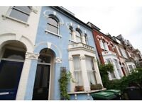 Furnished 1 Bedroom Flat in House Conversion Close to Manor House Zone 2 Piccadilly Line Station