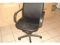 Black office chair, really comfortable, little used with arms