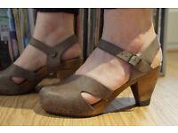 Sanita heeled wooden clogs size 6, mink oiled nubuck