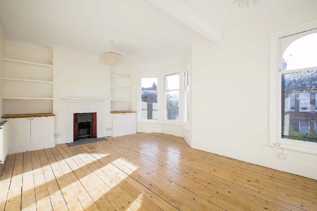 Burnbury Road,SW12 - A fantastic newly refurbished two double bedroom maisonette with private garden