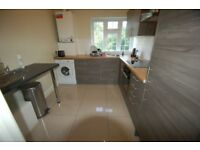 3 bedroom flat in Etchingham Court, Etchingham Park Road, Finchley, N3