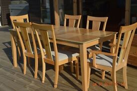 4 SALE: 2 Carver chairs & 4 Chairs with an extendable dining table. Excellent condition. £130.00