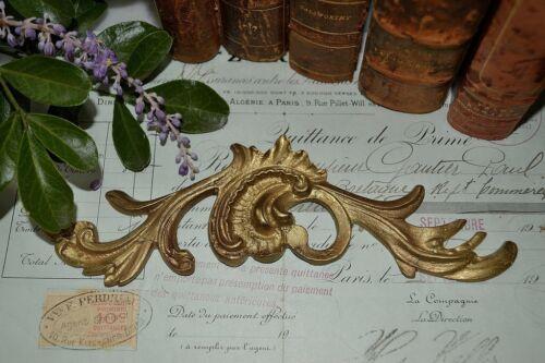 One Antique French Bronze Ormolu Acanthus Decorative Pediment Trim Mount 2 Avail