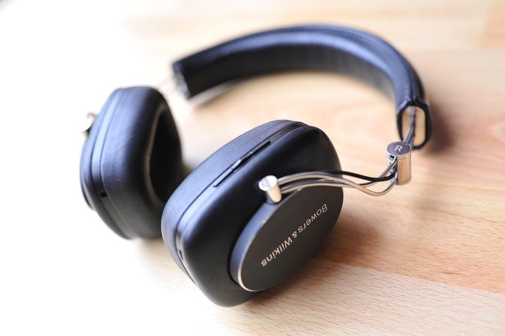 0e2df16f38e Bowers and Wilkins B&W P7 Wireless On-ear Headphones - Excellent Condition!