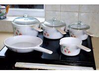 Corning 'Vision' saucepan set