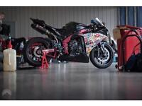 Yamaha R1 Big Spec Track / Road V5 present Daytime Mot