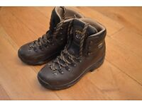 Ladies ASOLO hiking boots, UK 5 1/2 (fits like a 5)
