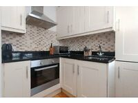 **SUPERB THREE DOUBLE BEDROOM FLAT AVAILABLE OPPOSITE BAKER STREET STATION**SECURE MANSION BLOCK**