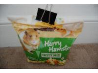 hamster food and bedding bundel