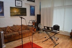 PRO SINGING LESSONS LONDON AS SEEN ON TV - ONLINE & LIVE SINGING LESSONS VOCAL COACH LONDON
