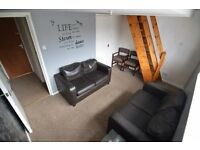 *** ATTRACTIVE ONE BEDROOM APARTMENT - READY TO MOVE IN NOW! ***