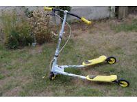 Childs V shaped scooter £10