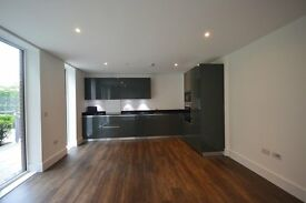 Luxury 3 Bedroom Apartment, Compton House, Royal Arsenal Riverside, Woolwich, Lonon, SE18