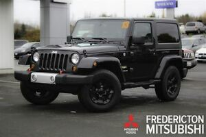 2013 Jeep Wrangler SAHARA! AUTO! HEATED SEATS! NAV!