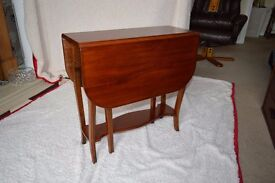 DROP LEAF TABLE made in Mahogany.