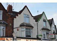 FULLY FURNISHED, 3 BEDROOM FLAT LOCATED ON SLADE ROAD, ERDINGTON - £50/£60 PER ROOM