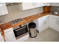 SPACIOUS 4 DOUBLE BEDROOM APARTMENT AVAILABLE IN NEWHAM CALL NOW
