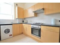 SPACIOUS ONE/TWO BEDROOM APARTMENT LOCATED MOMENTS AWAY FROM CAMDEN TOWN.IDEAL FOR SHARERS.CALL NOW!