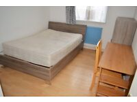 MOVE IN IMMEDIATELY 4 BEDROOM FLAT OPPOSITE QUEEN MARY UNIVERSITY