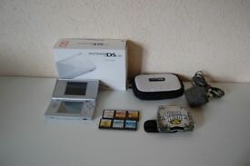Boxed Silver DS Lite Console Bundle