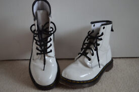 MISS RIOT Girl's Shiny White Patent Synthetic Lace-Up Boots UK 13