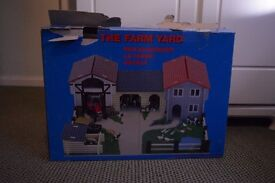 Toy Farm (Le Toy Van Wooden Farmyard)