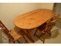 Pine solid table with chairs