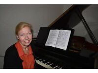 Piano lessons with an experienced teacher graduated from St. Petersburg Conservatoire