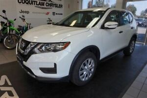 2017 Nissan Rogue S- LOW KM!!