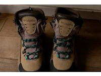 Columbia Ladies Walking Boots Size 4 and Vango walking Poles