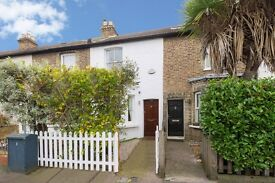 2 DOUBLE BEDROOM HOUSE WITH GARDEN IN KEW VILLAGE
