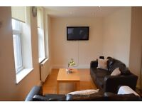 ROOMS IN STUDENT HOUSE SHARE IN HEATON, AVAILABLE 01/08/17 - £325/£355pcm BILLS INC.