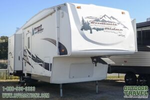 2006 AMERI-CAMP Summit Ridge 265DS-BS Rear Living Room 5th Wheel