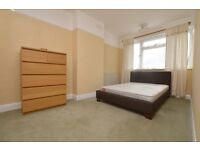 GREAT VALUE 2 DOUBLE BEDROOM FLAT WITH COMMUNAL GARDEN! OFFERD PART FURNISHED AND AVAILIABLE NOW