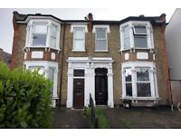 Large bright and spacious one double bedroom top floor flat situated conveniently for Enfield Town