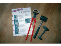 Loose or wisted Horse shoe? Then try the Help4hooves Emergency Horse Shoe Pull Off Kit